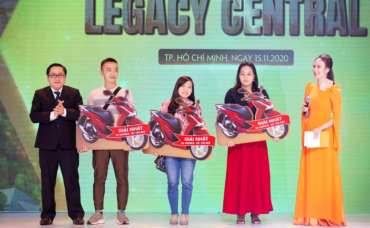 Kết thúc chương trình là những phút giây đáng nhớ khi Kim Oanh Group đã dành những phần quà ý nghĩa và có ý trị cho những khách hàng may mắn nhất.