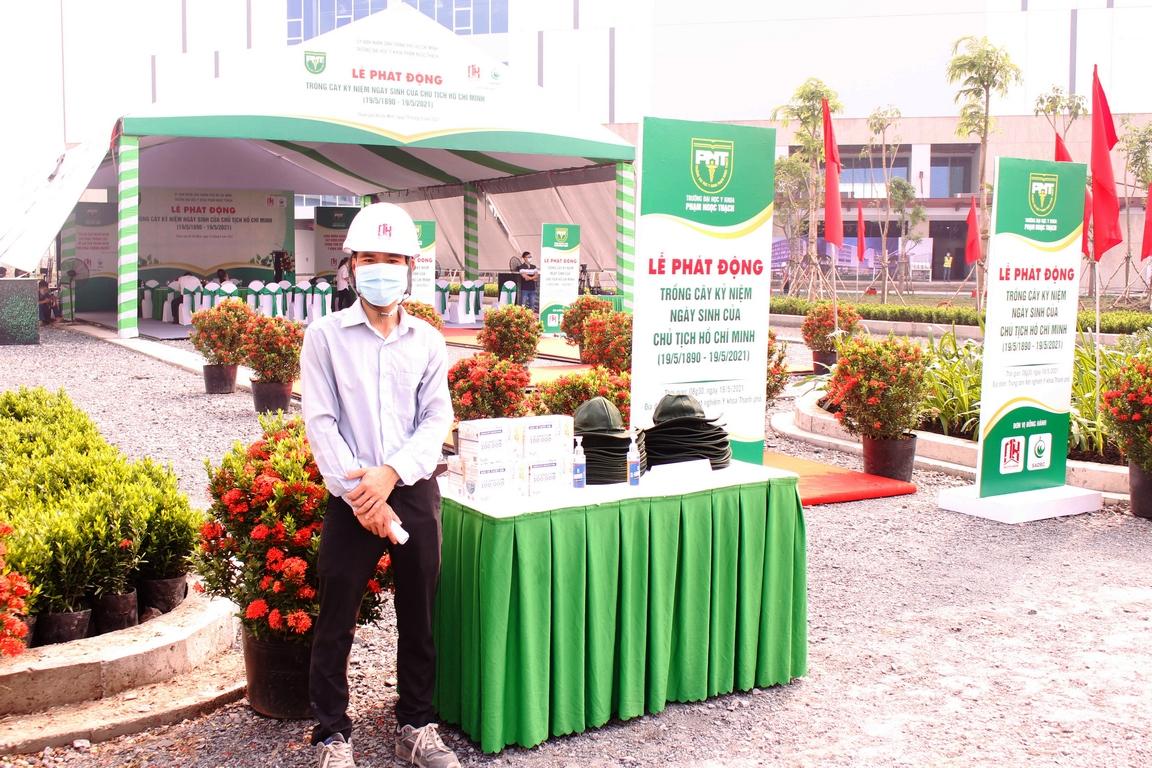 Khu vực khách mời rửa tay & đo thân nhiệt